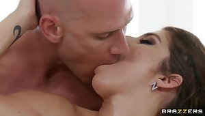 After a hot massage horny bitch will be penetrated!