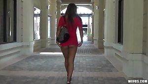 Buxom Jackie Cruz masturbates her sweet hole start the ball rolling with her favorite dildo