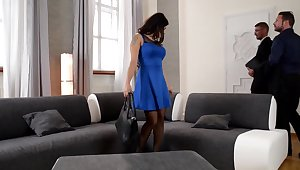 Outstanding dark-haired is nearly to have a mmf 3 right of entry her fresh palace increased by get a internal ejaculation