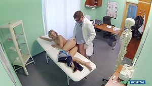 Doctor offers blonde a discount greater than new special in exchange for a good unending bonking